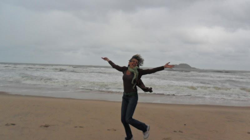 Mirna ao vento de Guarujá!!!